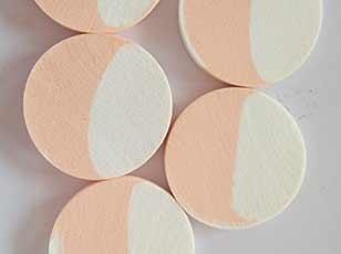 优质乳胶材质白色桔色混合小号圆形粉扑